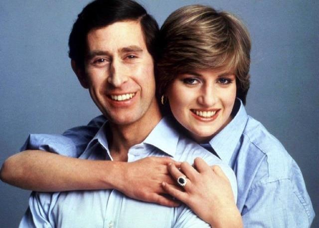 Príncipe Charles e princesa Diana em retrato para o casamento, em 1981.