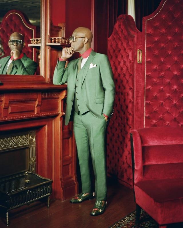 O alfaiate Dapper Dan, em seu novo ateliê montado em parceria com a Gucci, no Harlem