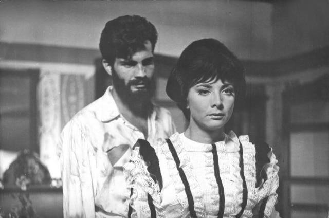 Tarcísio e Glória em cena de 1966, três anos depois de '2-5499 Ocupado'.