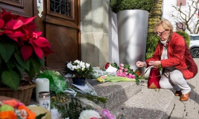 Chefs e admiradores prestam homenagem a Benoît Violier.