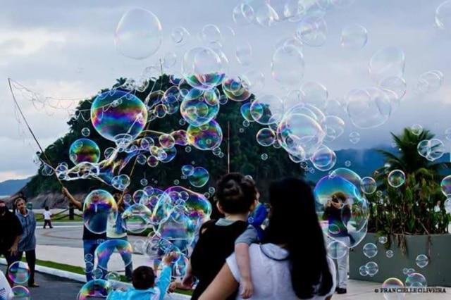 Grupos trocam informações sobre bolhas nas redes sociais