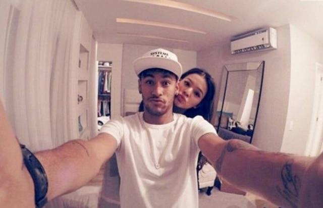 Bruna Marquezine e Neymar foram vistos em diversas ocasiões juntos durantes as festas de fim de ano