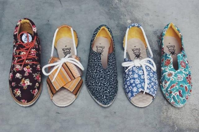 A Insecta Shoes, de Porto Alegre, produz sapatos artesanais com matéria prima reaproveitada