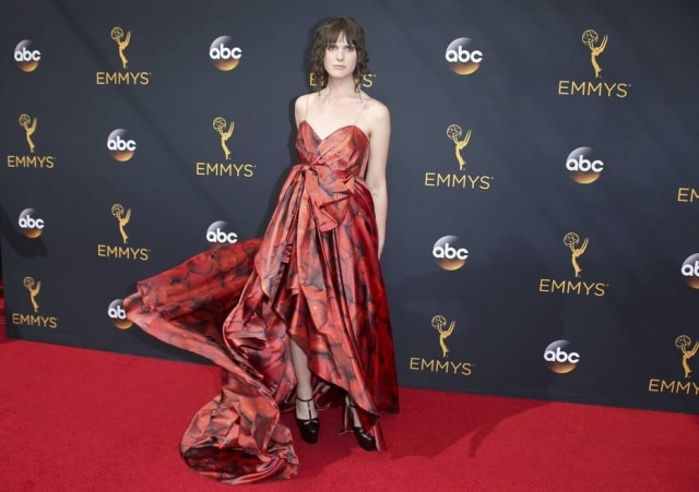 Hari Nef, da série Transparent, no Emmy Awards.