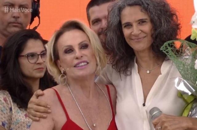 Simone e Ana Maria Braga cantam 'Então é Natal' no 'Mais Você' desta terça-feira.
