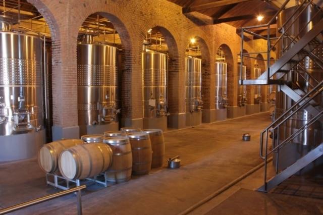 Tanques de fermentação da vinícola argentina Terrazas de los Andes, em Mendoza