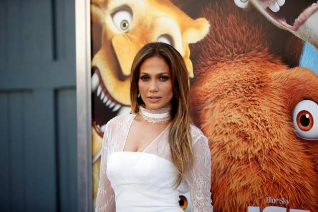 Pela primeira vez, Alex Rodriguez confirmou que está namorando com a cantora Jennifer Lopez.