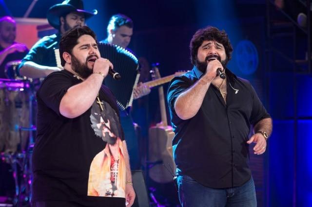 César Menotti e Fabiano em participação no 'Altas Horas'.