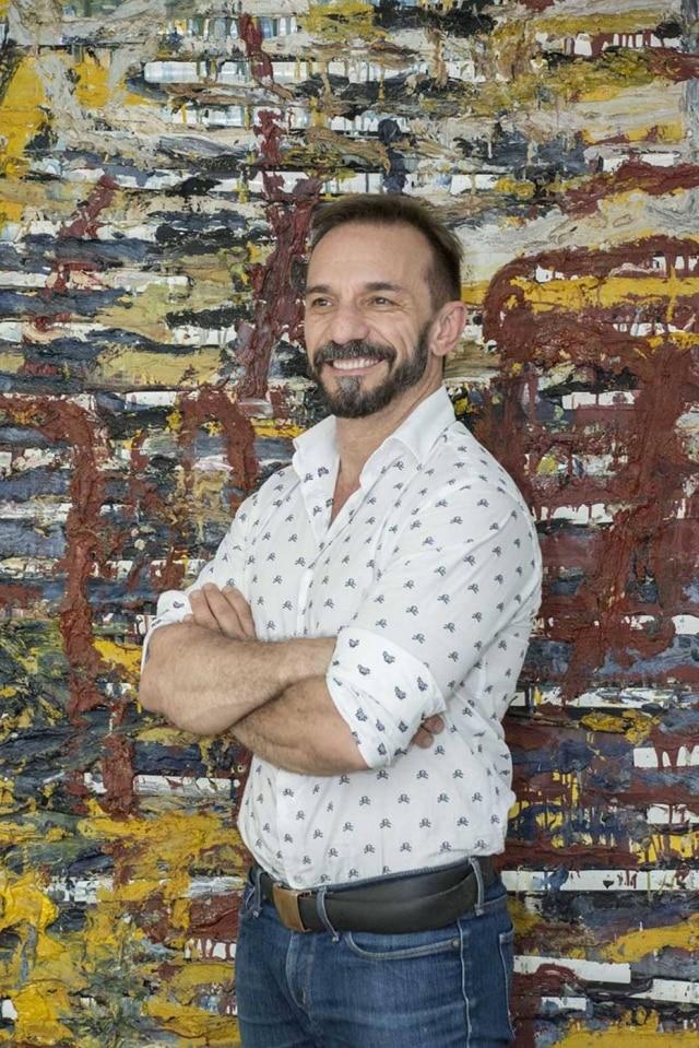 O Empresário, designer e colecionar de arte José Marton