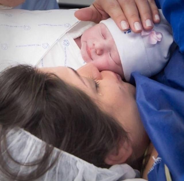 Thais Fersoza e a filha, Melinda.