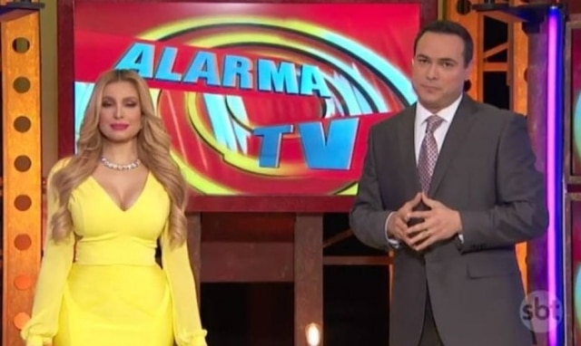 Janice Villagrán e Sergio Catalán, apresentadores do 'Alarma TV'.