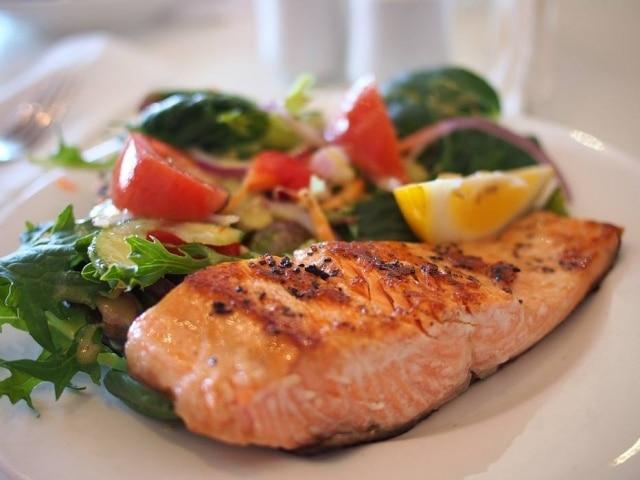 Equilíbrio entre jantar e sono pode ser importante na hora de perder alguns quilos