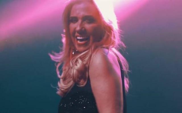 Rita Cadillac lançou clipe da música 'É Bom Para o Moral'
