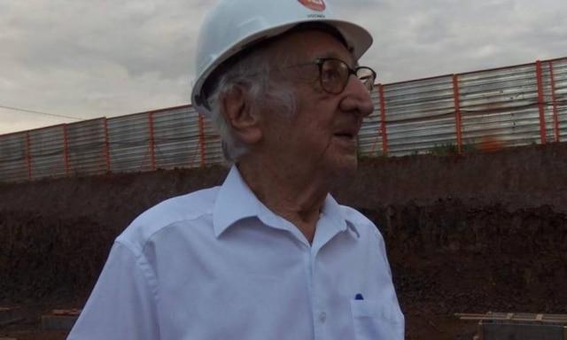 Carlos durante visita de campo realizada pela turma.