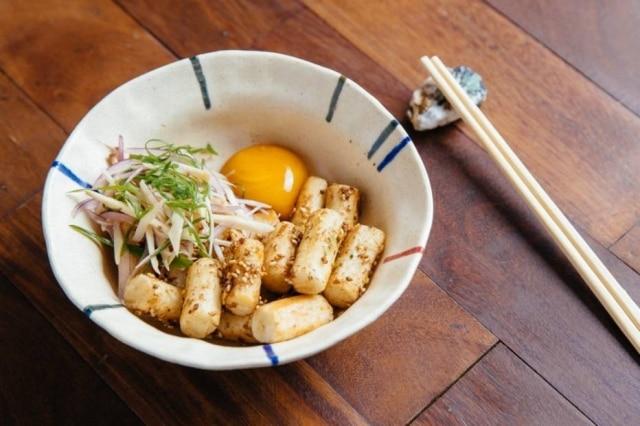 Topoki, do Mica, que lembra um nhoque com massa de arroz glutinoso japonês