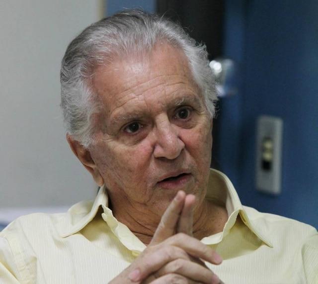 O apresentadorCarlos Alberto de Nóbrega.