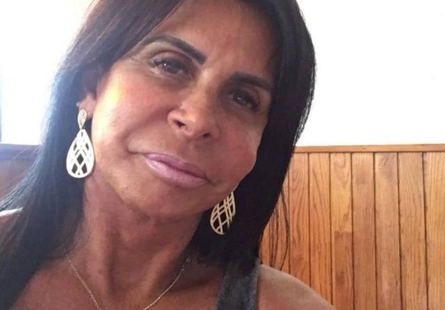 """Roberto foi aprovado com TCC sobre a """"rainha da internet"""""""