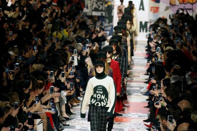 Maria Grazia Chiuri, estilista da Dior, é uma das poucas mulheres da moda em cargos de comando