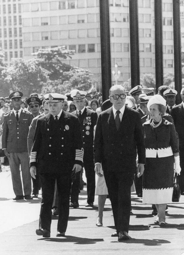 O general Médici ao lado de Américo Tomás, presidente de Portugal, acompanham as celebrações dos 150 anos de Independência do Brasil, Rio de Janeiro, RJ, 23/4/1972