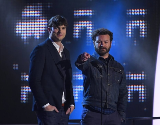 Ashton Kutcher ao lado deDanny Masterson
