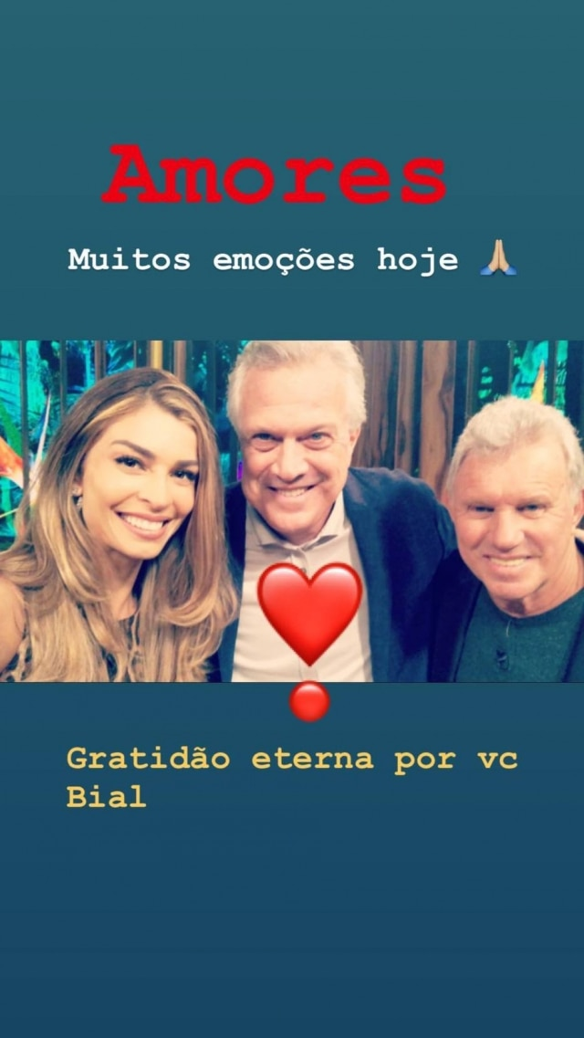 Grazi Massafera ao lado de Pedro Bial e do pai dela, Gilmar Massafera.