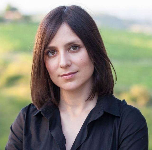 Jornalista convertida em sommelière, Bianka Bosker conta sua trajetória de treinamento olfativo intensivo no livro Cork Dork