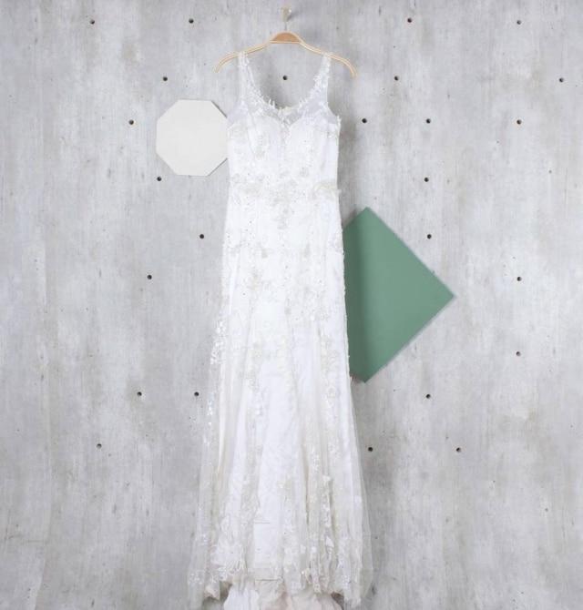 O vestido de Fiorella Mattheis pode ser adquirido pelo site Enjoei