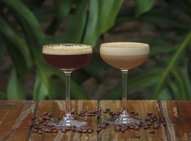 Espresso Martini e Bayles Hotel. Drinques do CaféHotel
