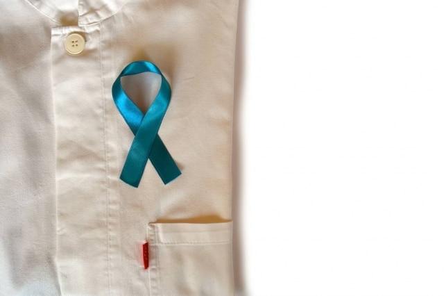 Novembro Azul chama atenção para o câncer de próstata, mas dá visibilidade à saúde integral do homem.