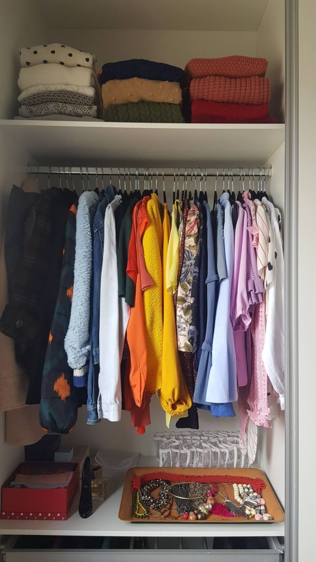 Comece pelas roupas quando for organizar a casa.