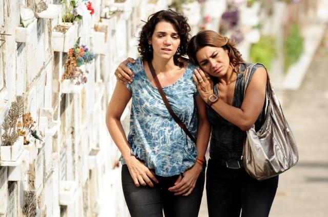 Solange Badimfez o papel de Delzuite e Dira Paes interpretou Lucimarna novela 'Salve Jorge'