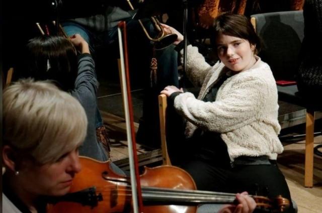 Orquestra Danubia de Budapeste ajuda surdos a 'ouvirem' Beethoven pelo toque