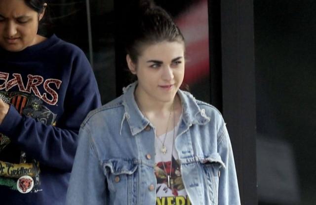 A filha de Kurt se depara com homem estranho em sua casa