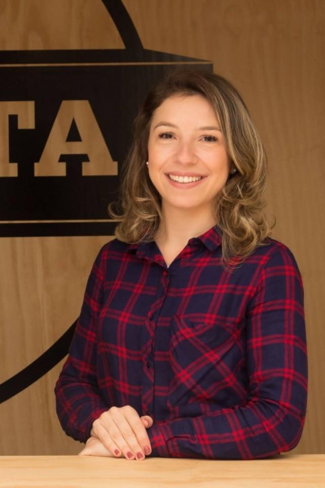 Estela Cotes é jornalista e atualmente trabalha com cafés especiais. Neste sábado, ela contará um pouco sobre o equilíbrio entre a profissão e a maternidade