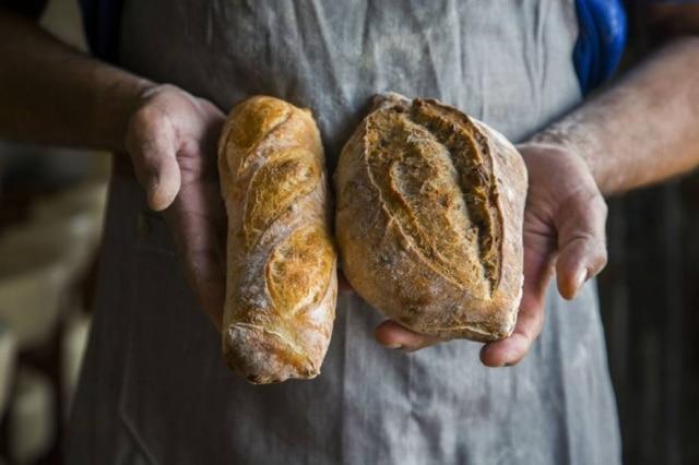 Pão p72 e pão de nozes, que fermentam 72 horas, na Mundo Pão do Olivier