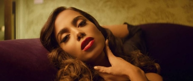 A cantora Anitta em 'Downtown'