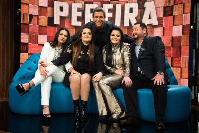 Márcio Garcia com Maiara eMaraisa e família