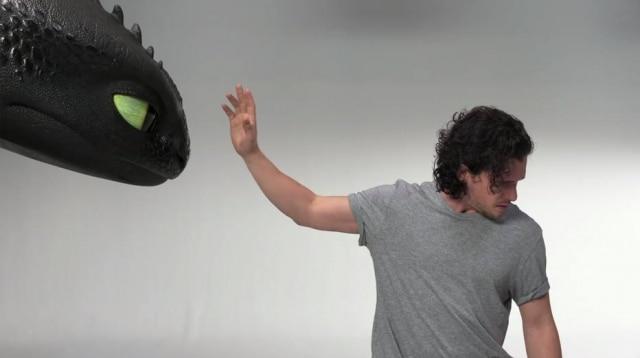 Kit Harington e Banguela em um 'teste de elenco' para 'Como Treinar o Seu Dragão 3'.