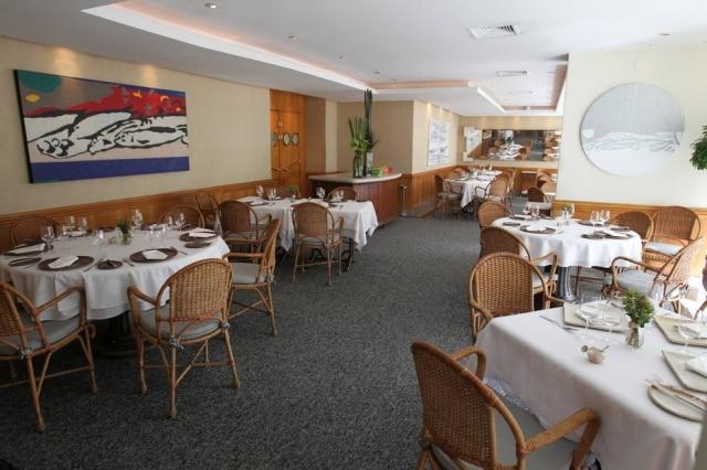Ambiente do restaurante Amadeus, especializado em peixes e frutos do mar