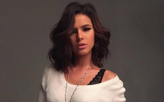Bruna Marquezine é capa da revista Joyce Pascowitch de setembro