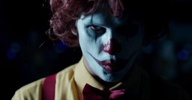 Palhaço de propaganda do Burger King: você acha parecido com Ronald McDonald?