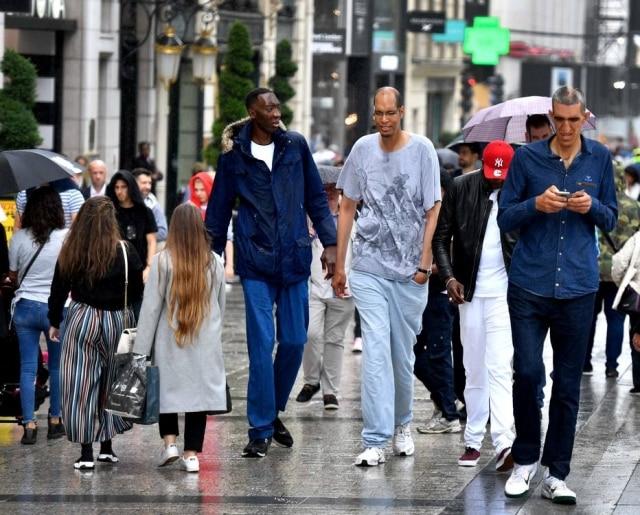Abdramane Dembelé, 2,35m, Brahim Takioullah, 2,46m e Arshavir Grigoryan, 2,33m.