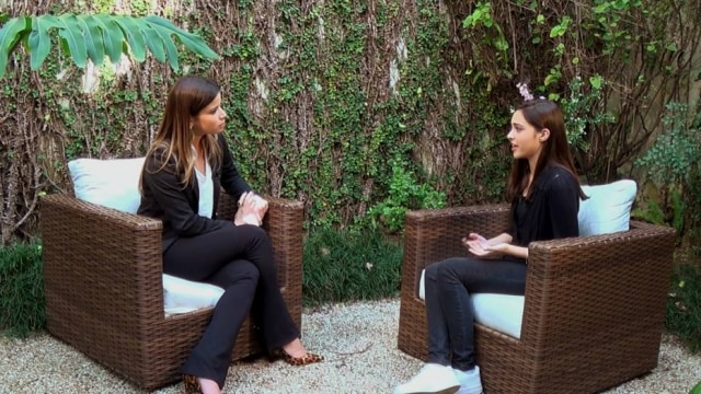 Giulia foi entrevistada por Tathiana Brasil