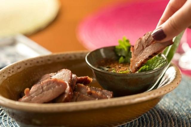 Bochecha de porco com tamarindo
