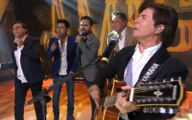 Chitãozinho, Zezé Di Camargo, Luciano, Leonardo e Xororó: os 'Amigos'durante participação no 'Fantástico'.