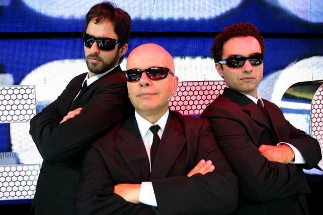 Marcelo Tas ao lado de Rafinha Bastos e Marco Luque em março de 2008, ano de estreia do 'CQC'.
