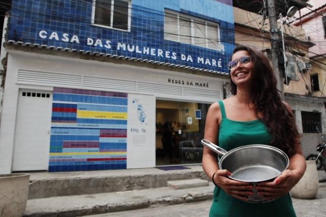 A carioca Mariana Aleixo, do Maré de Sabores, projeto que transforma mulheres do complexo em cozinheiras profissionais.