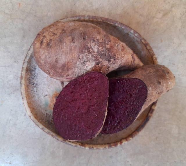 Cultivadoporagricultores na Amazônia, o cará roxo étem sabor adocicado e textura mais fina que seu primo branco.
