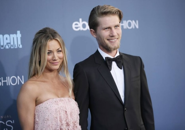 Cinco dias após se casar, a atriz norte-americana Kaley Cuoco postou foto no Instagram dizendo que fezcirurgia no ombro