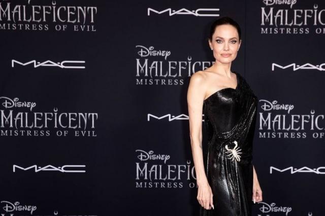 Angelina Jolie no tapete vermelho da estreia de 'Malévola: Dona do Mal', em Los Angeles, nos Estados Unidos.
